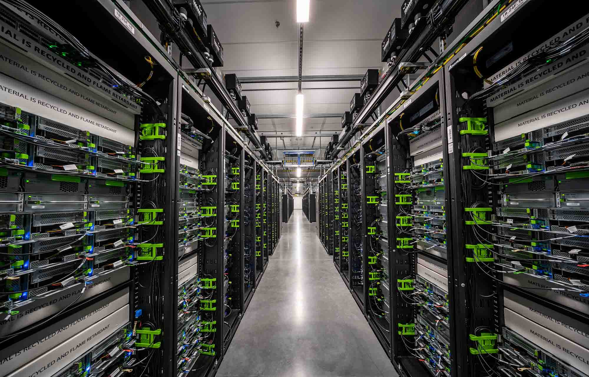 Cluster Server Technology Keeps Your Application Running When the Critical Server Fails